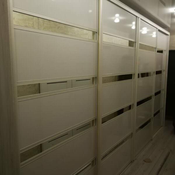Шкаф-купе в прихожую квартиры