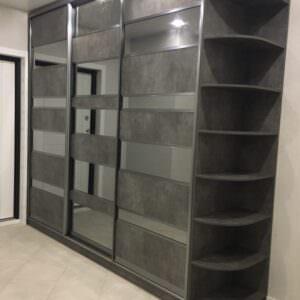 Современный шкаф-купе в прихожую