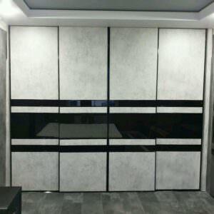 Встроенный современный шкаф-купе