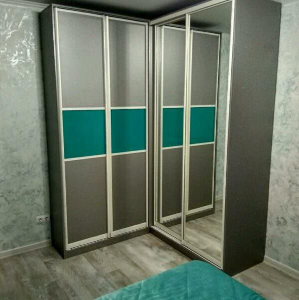 Угловой шкаф-купе в спальню 2